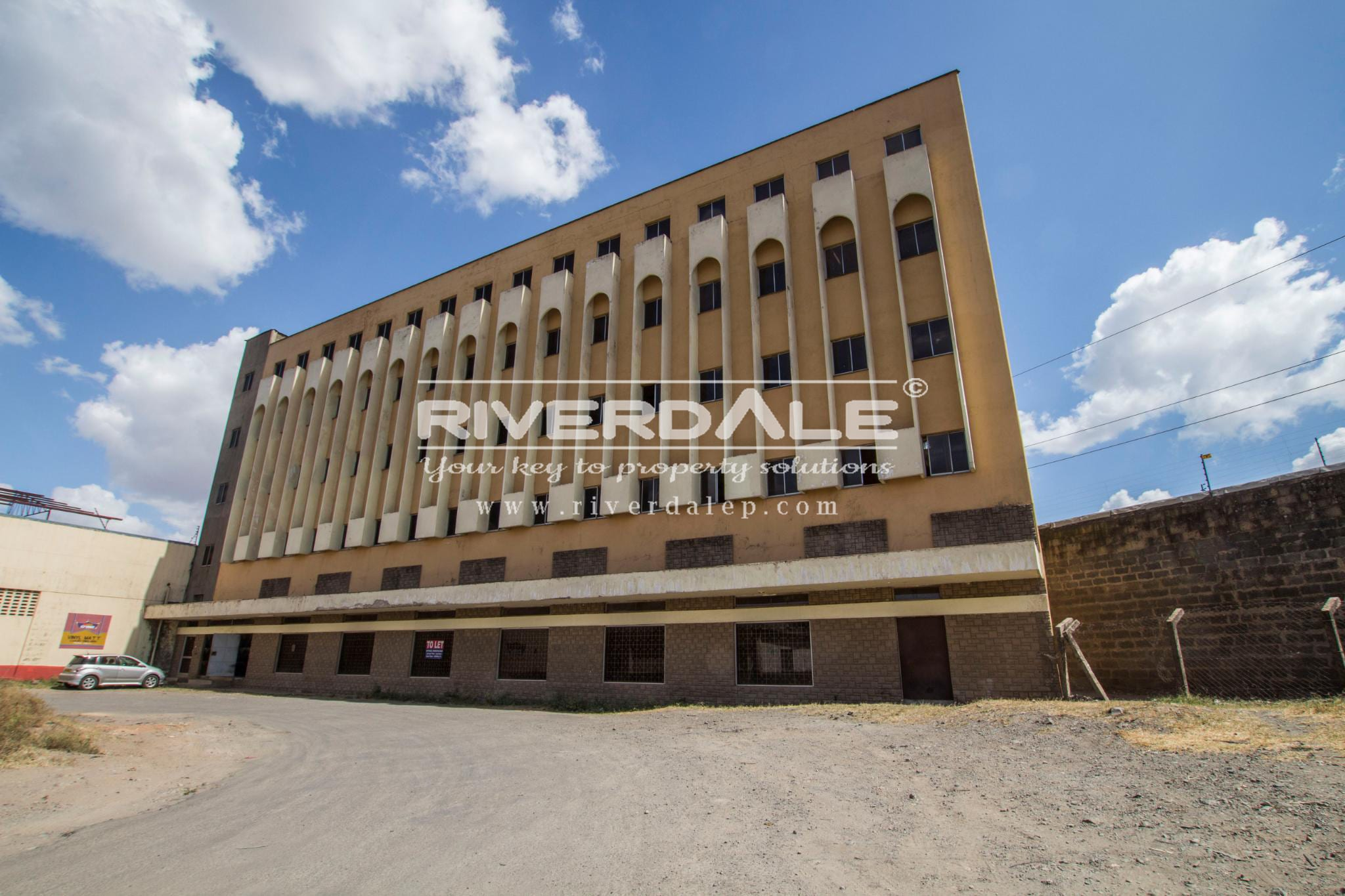 Prime Commercial Building To Let In Industrial Area