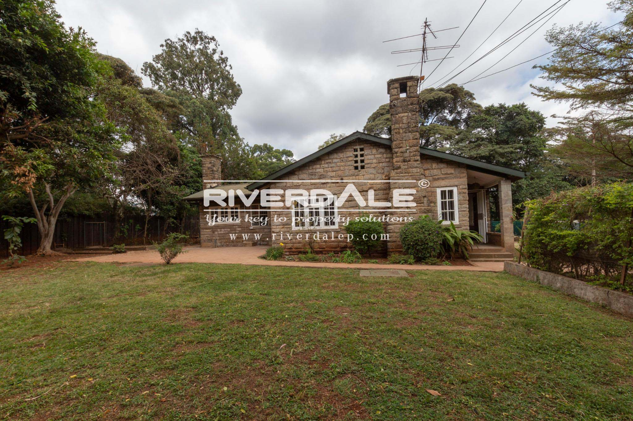 Charming 4 Bedroom Bungalow To Let  in Chiromo