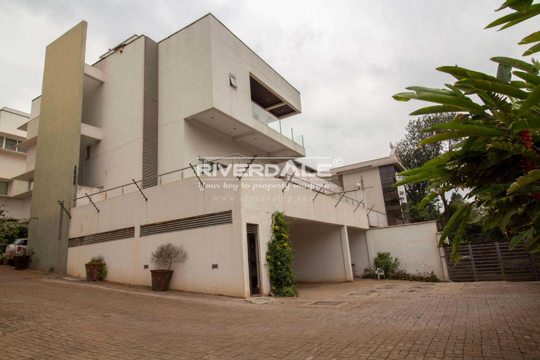 Elegant 5 Bedroom Townhouse For Sale Off Peponi